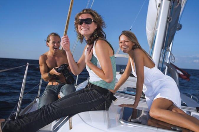 day-sailing-on-banderas-bay
