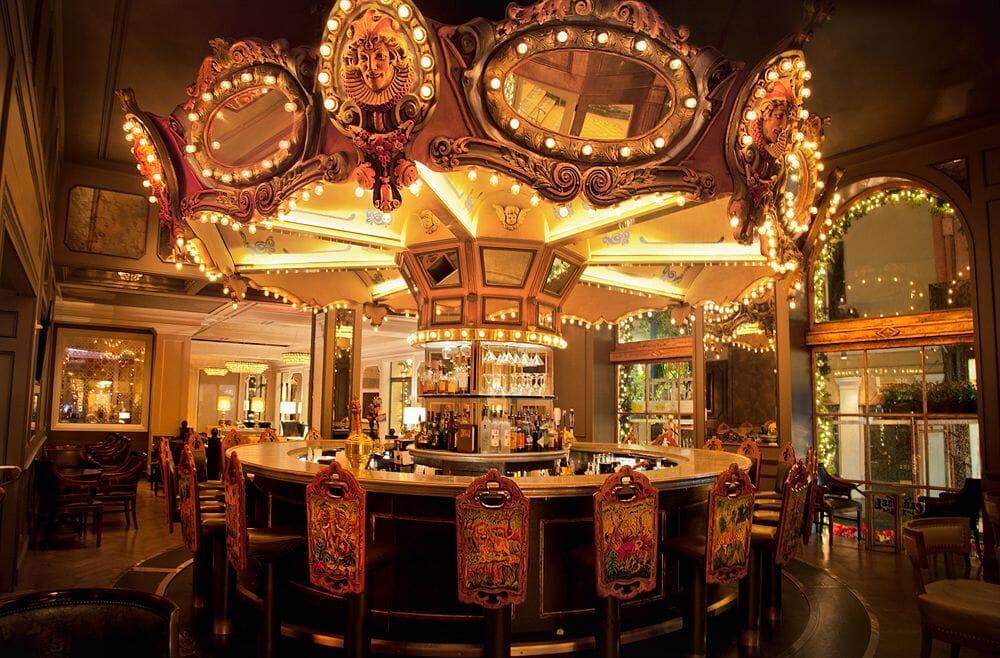 french-quarter-hotel-monteleone-bar
