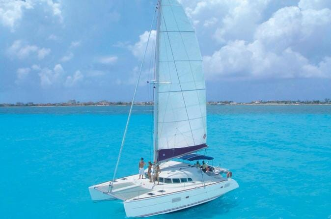 half-day-sailing-trip-to-isla-mujeres-from-cancun