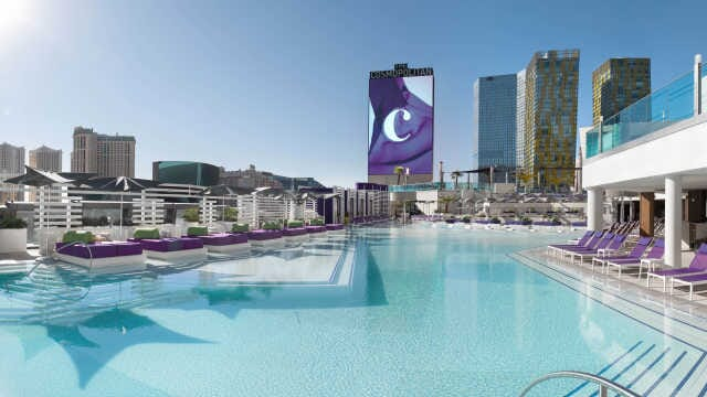 The_Cosmopolitan_of_Las_Vegas-pool